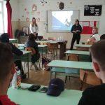Biztonságról másképp! Fiatalok tartanak órát középiskolásoknak a biztosításokról
